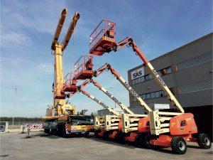 Si tratta di 12 PLE a braccio articolato tra i modelli 520AJ 4WD e 600AJ 4WD e 18 piattaforme con altezze fino a 48 mt.